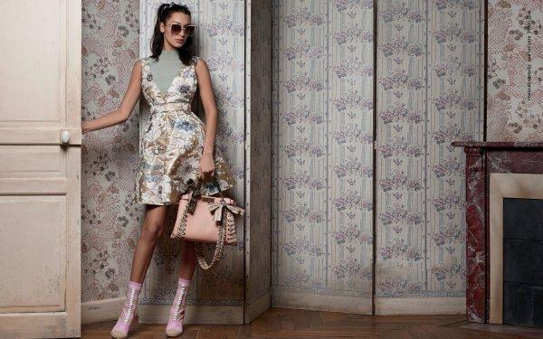 Celebrity Bella Hadid Models United States Sunglasses Handbag HD Wallpaper   Background Image