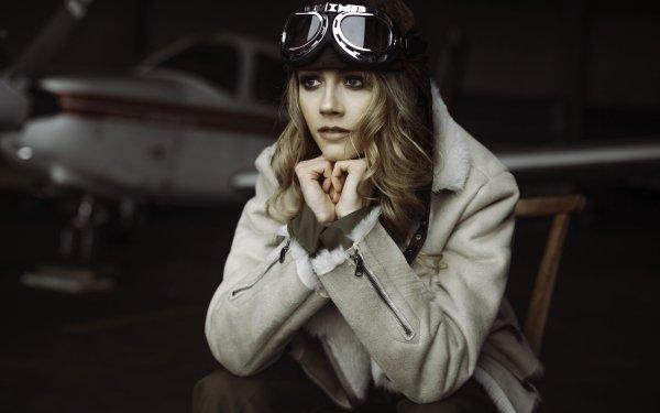 Femmes Top Model Top Modèls Aviator Helmet Blonde Depth Of Field Fond d'écran HD   Image