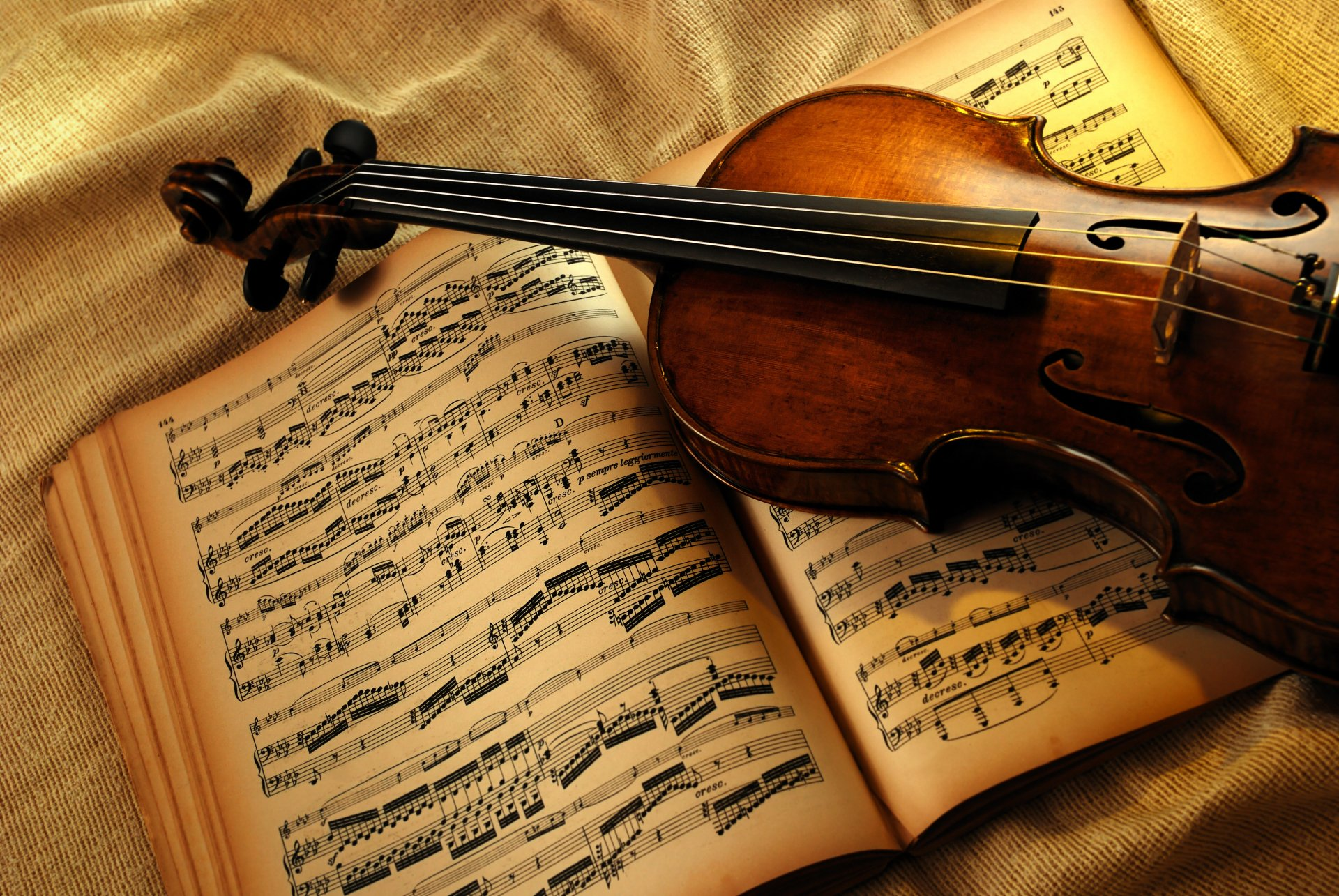 Artistic - Music  Violin Still Life Instrument Wallpaper