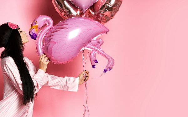 Women Mood Flamingo Balloon Pajamas Profile HD Wallpaper | Background Image