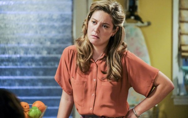 TV Show Young Sheldon Lance Barber George Cooper Zoe Perry Mary Cooper HD Wallpaper | Background Image