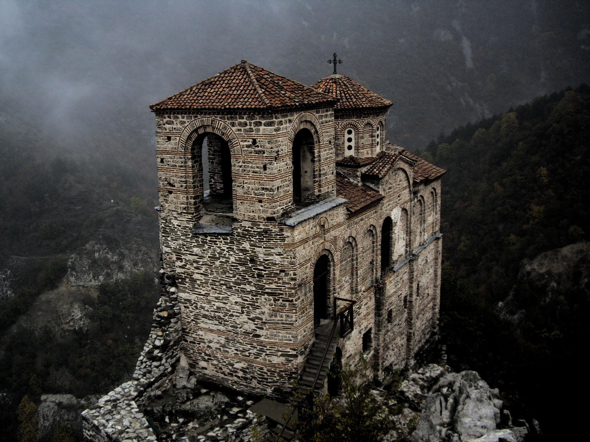 the castle of asen - bulgaria hd wallpaper | background image