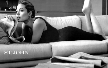 Celebrity - Angelina Jolie Wallpapers and Backgrounds ID : 148053