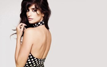 Celebrity - Penelope Cruz Wallpapers and Backgrounds ID : 148471