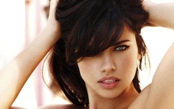 Berühmte Personen - Adriana Lima Wallpapers and Backgrounds ID : 152733