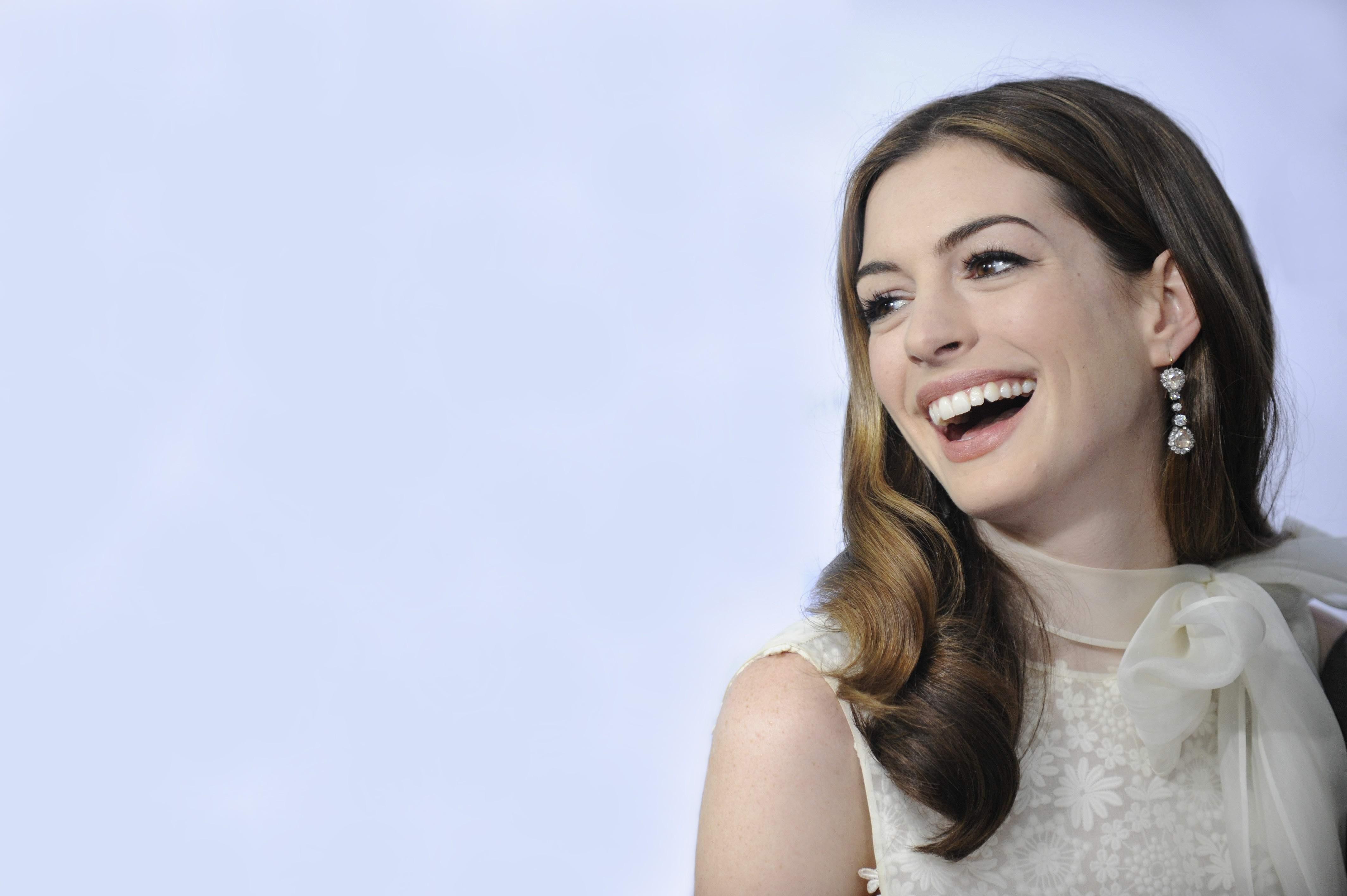Anne Hathaway 4k Ultra Fondo De Pantalla Hd Fondo De