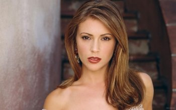 Celebrity - Alyssa Milano Wallpapers and Backgrounds ID : 162591