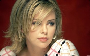 Celebrity - Charlize Theron Wallpapers and Backgrounds ID : 163123