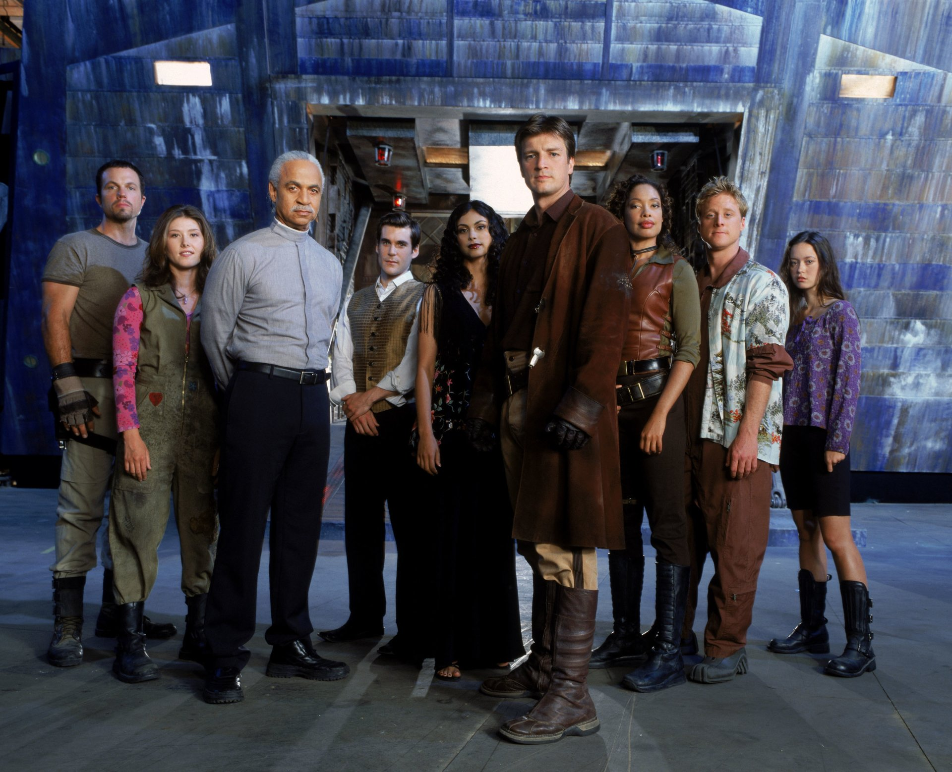 TV Show - Firefly  Nathan Fillion Malcolm Reynolds Ron Glass Derrial Book Shepherd Book Jewel Staite Kaylee Frye Gina Torres Zoe Washburne Summer Glau Wallpaper