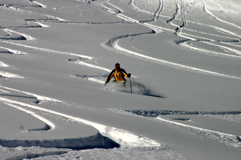 Skiing hd wallpaper background image 2611x1741 id - Ski wallpaper ...