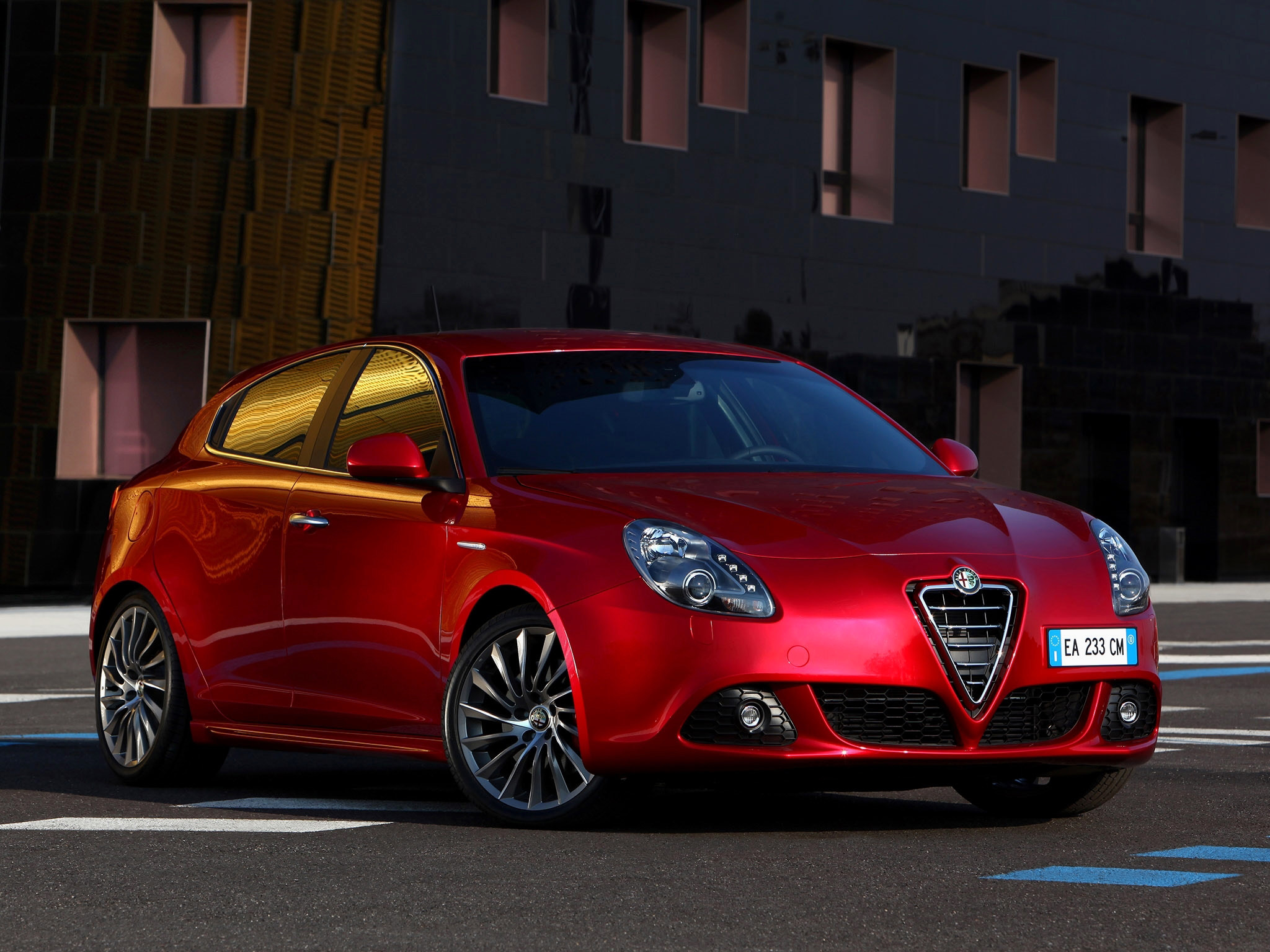 17 alfa romeo giulietta hd wallpapers background images wallpaper abyss. Black Bedroom Furniture Sets. Home Design Ideas