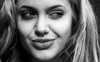 Celebrity - Angelina Jolie Wallpapers and Backgrounds ID : 19083