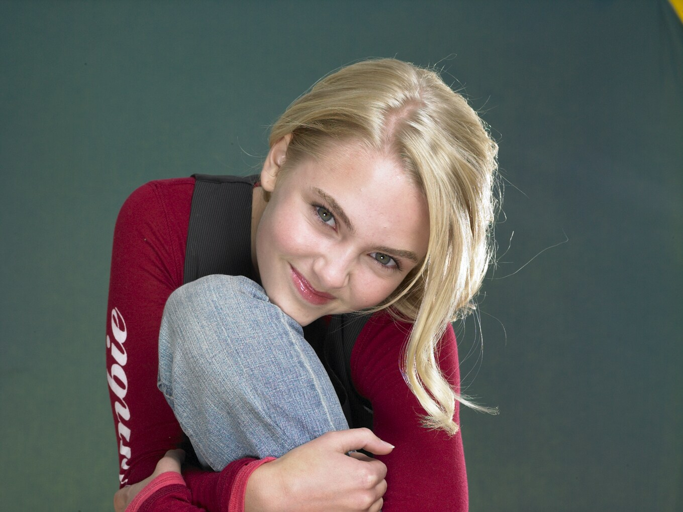 Annasophia Robb Wallpaper and Background Image | 1359x1020