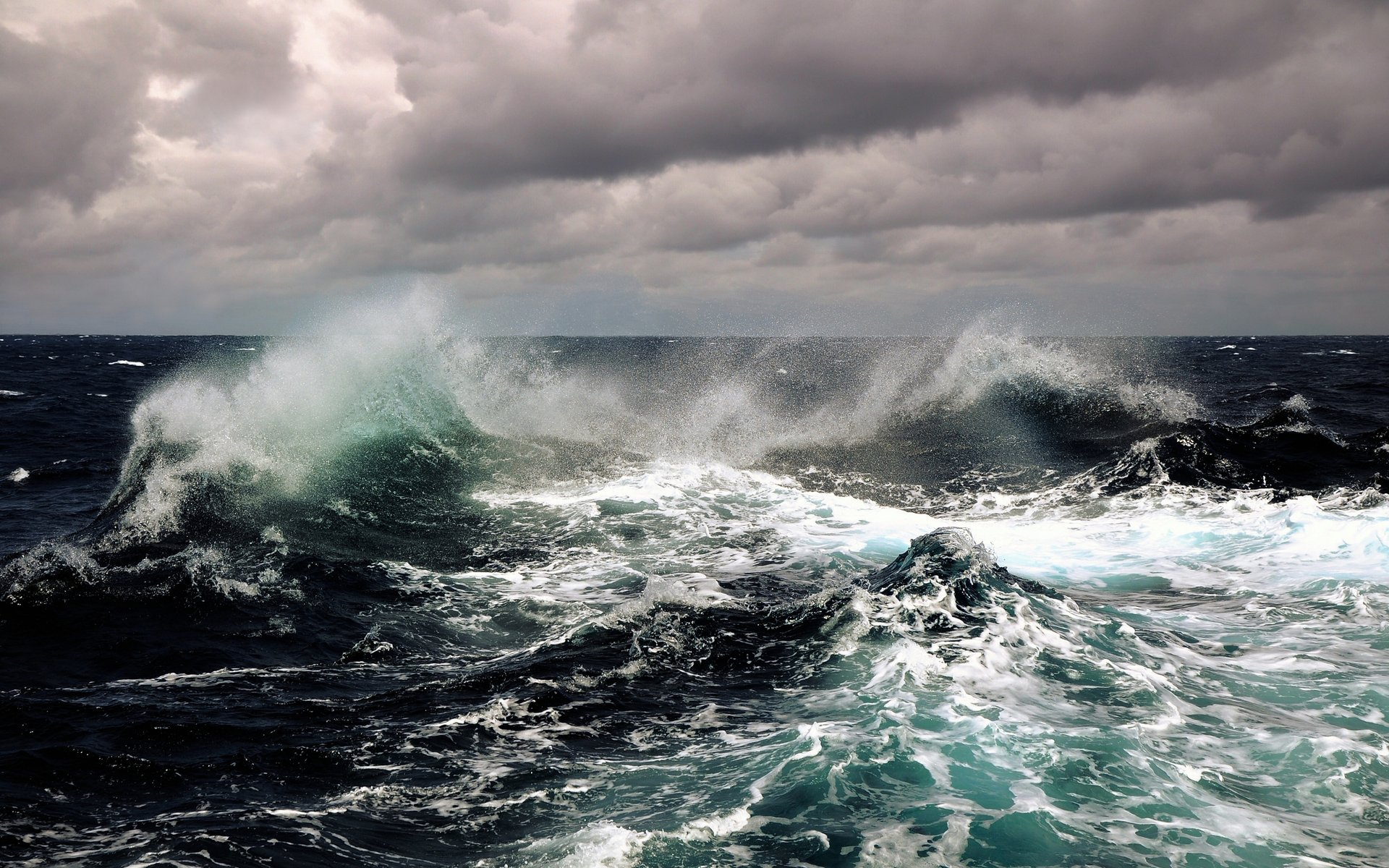 Earth - Wave  Ocean Sea Wallpaper