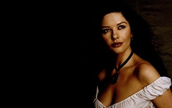 Celebrity - Catherine Zeta-jones Wallpapers and Backgrounds ID : 198823