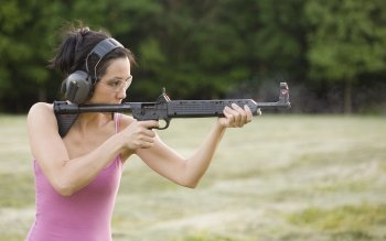 Women - Women & Guns Wallpapers and Backgrounds ID : 208983