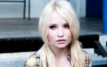 Celebrity - Emily Browning Wallpapers and Backgrounds ID : 221243