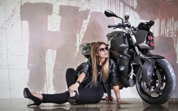 Vehicles - Girls & Motorcycles  Wallpapers and Backgrounds ID : 248733
