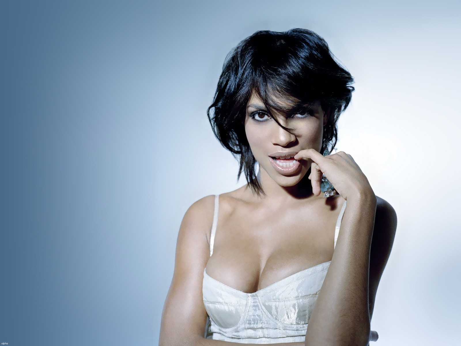 56 Rosario Dawson HD Wallpapers | Backgrounds - Wallpaper Abyss