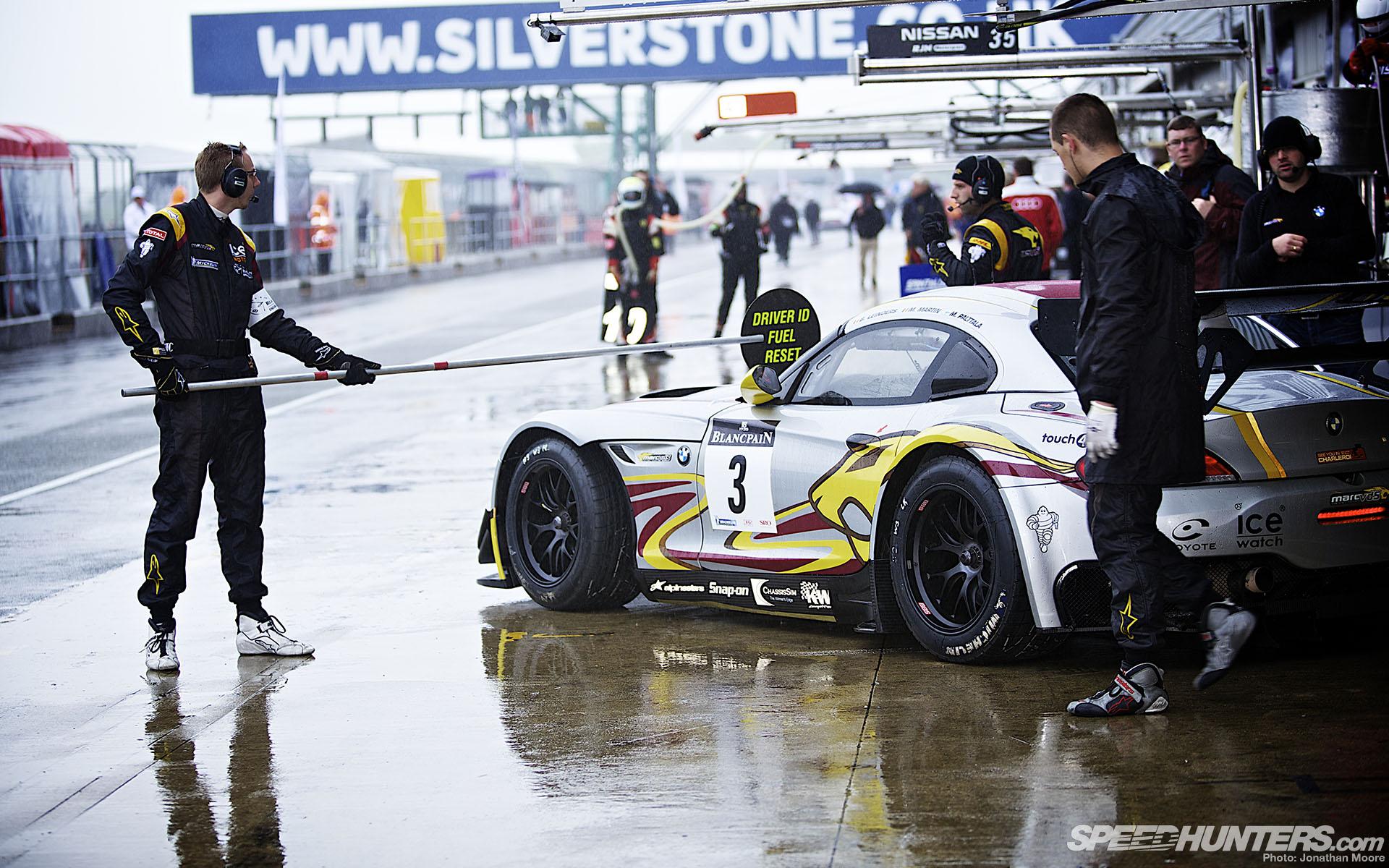 Race Car Hd Wallpaper Background Image 1920x1200 Id 255653