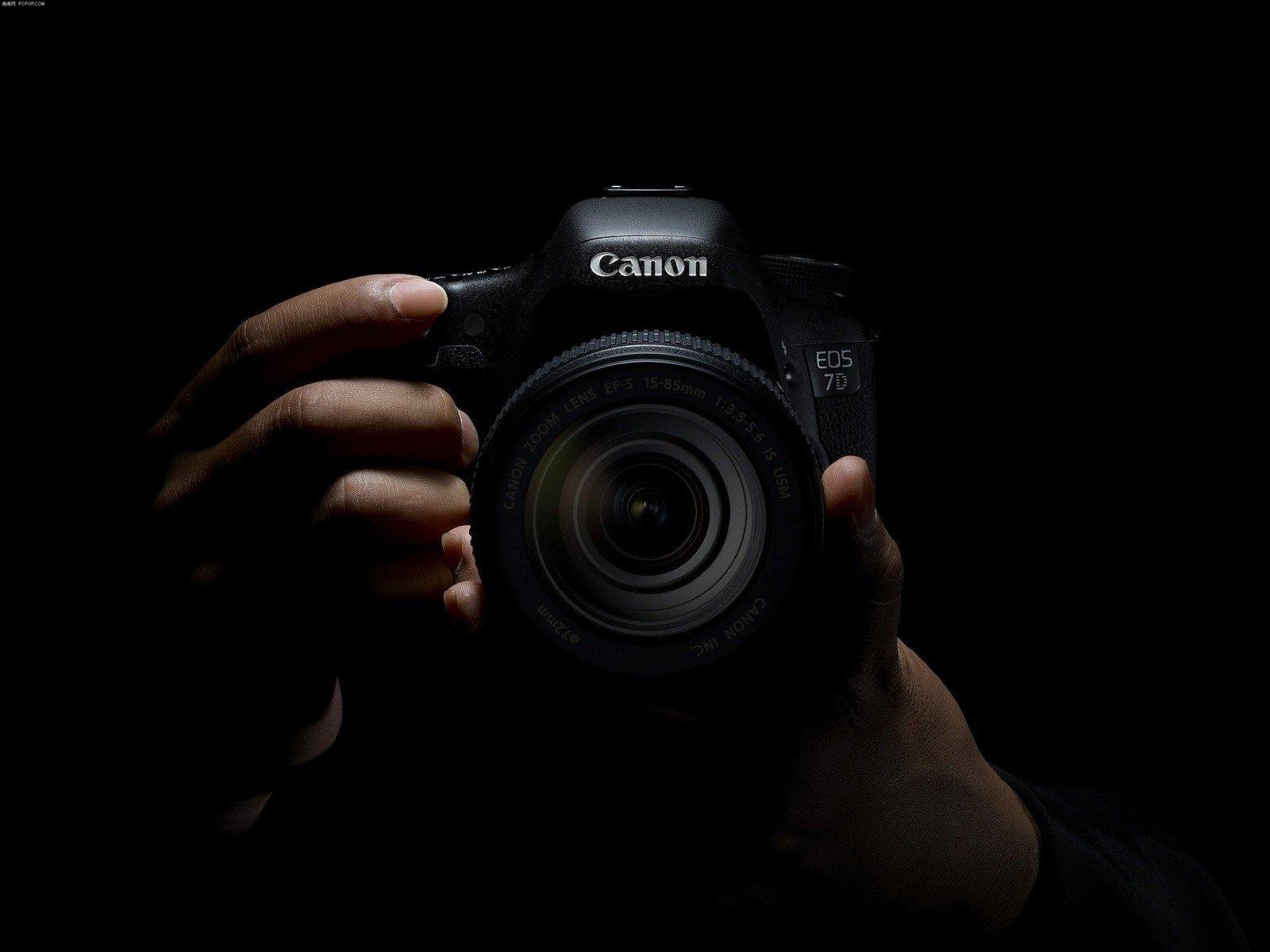 Appareil photo fond d 39 cran and arri re plan 1600x1200 for Ecran appareil photo canon