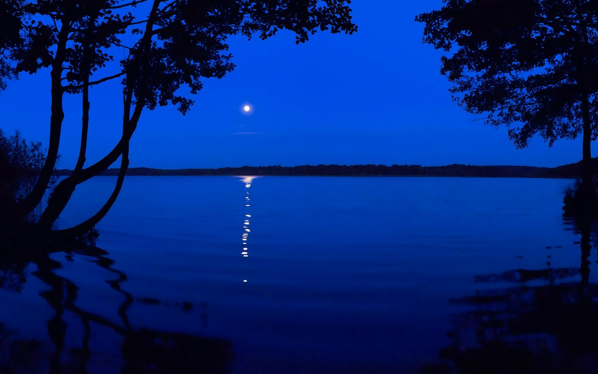 Earth - Lake  Blue Water Moon Reflection Wallpaper