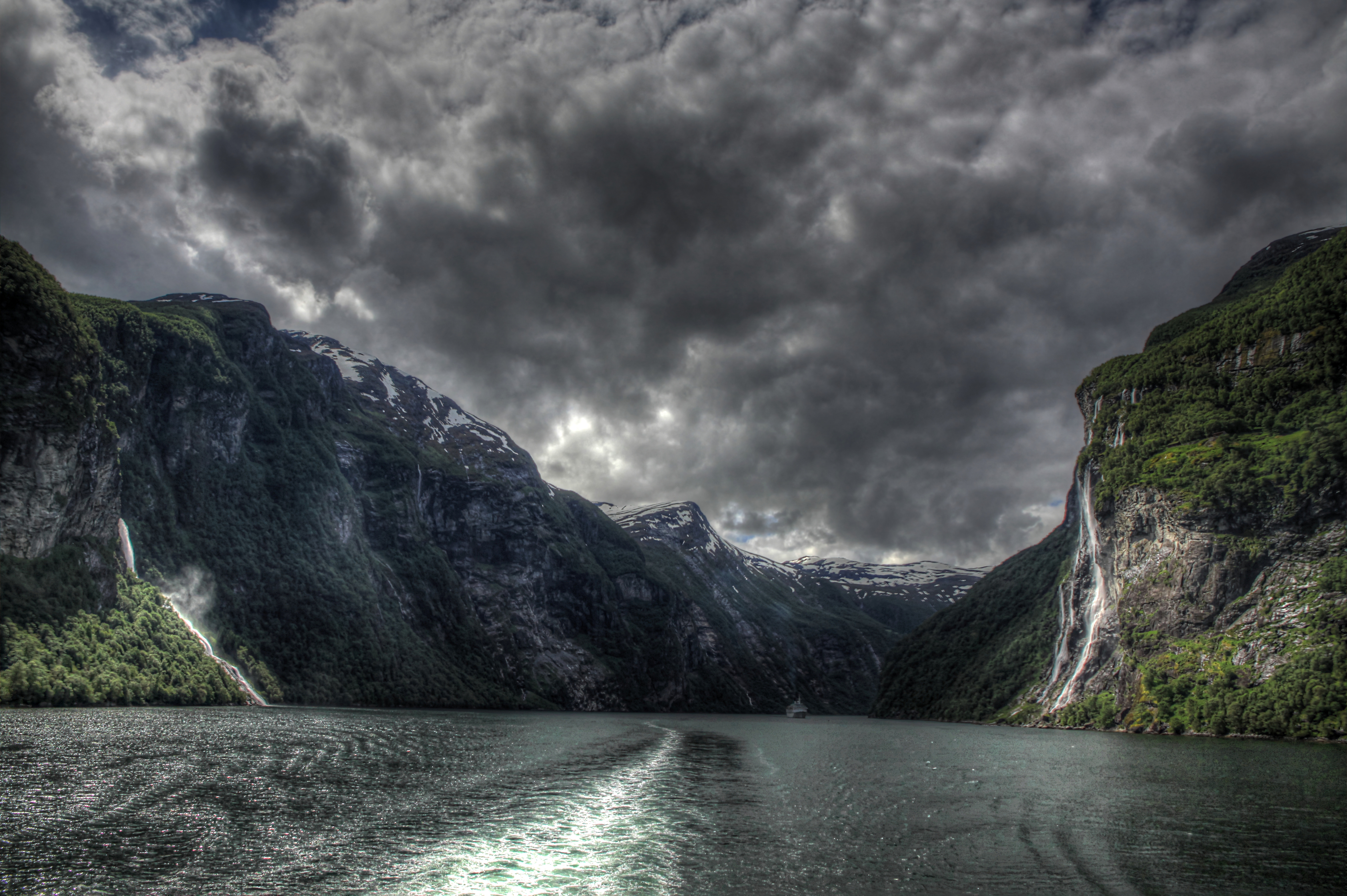 Geiranger The Seven Sisters Norway 4k Ultra Hd Wallpaper Background Image 4716x3138 Id 292421 Wallpaper Abyss