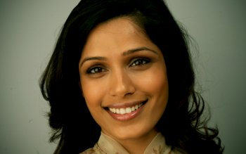 Celebrity - Freida Pinto Wallpapers and Backgrounds ID : 303421