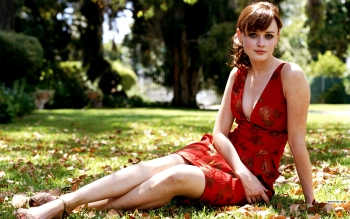 Celebrity - Alexis Bledel Wallpapers and Backgrounds ID : 4383