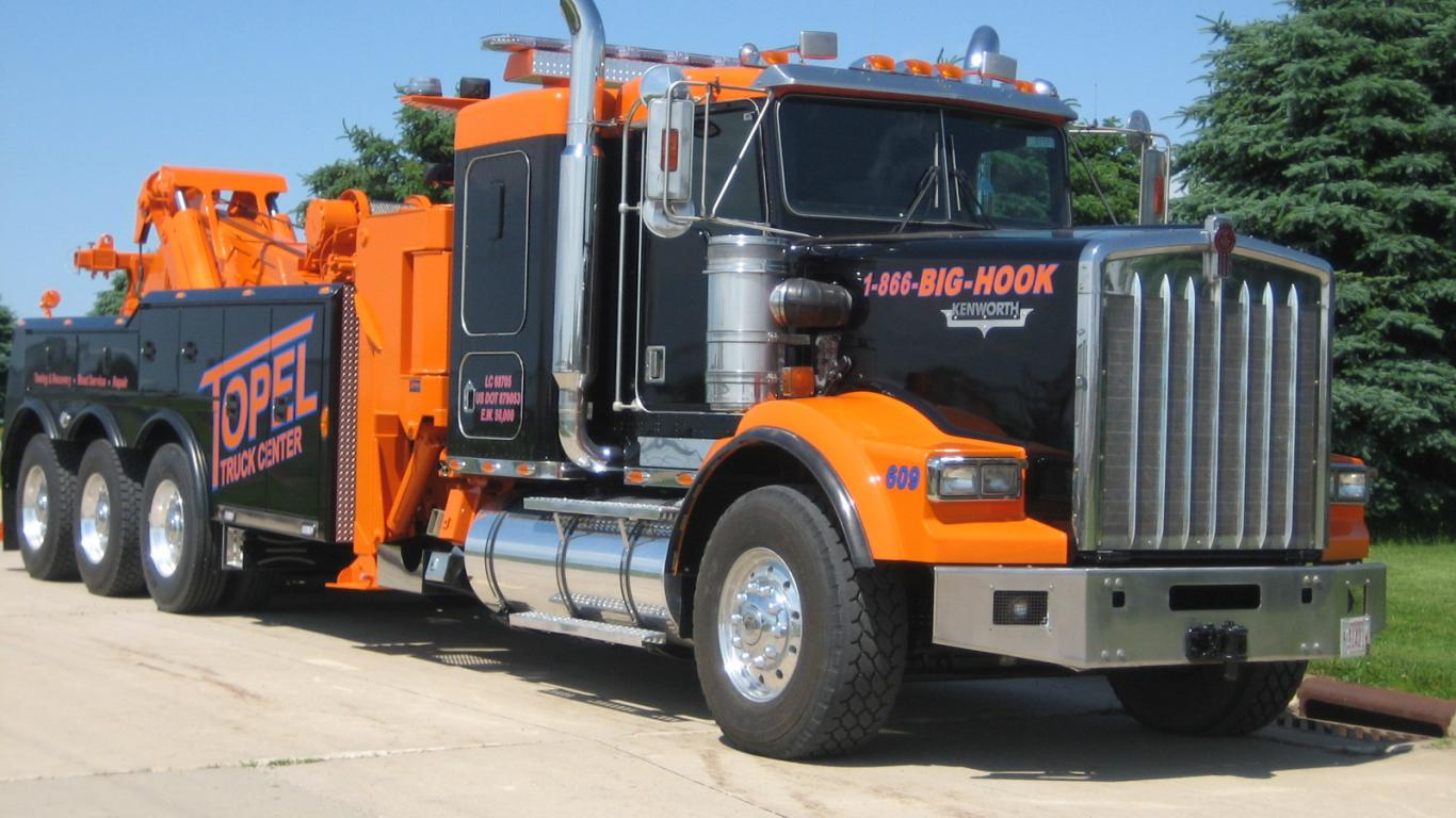 2 Kenworth Tow Truck Hd Wallpapers Background Images Wallpaper Abyss