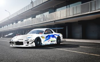 Vehicles - Mazda RX-7 Wallpapers and Backgrounds ID : 484014
