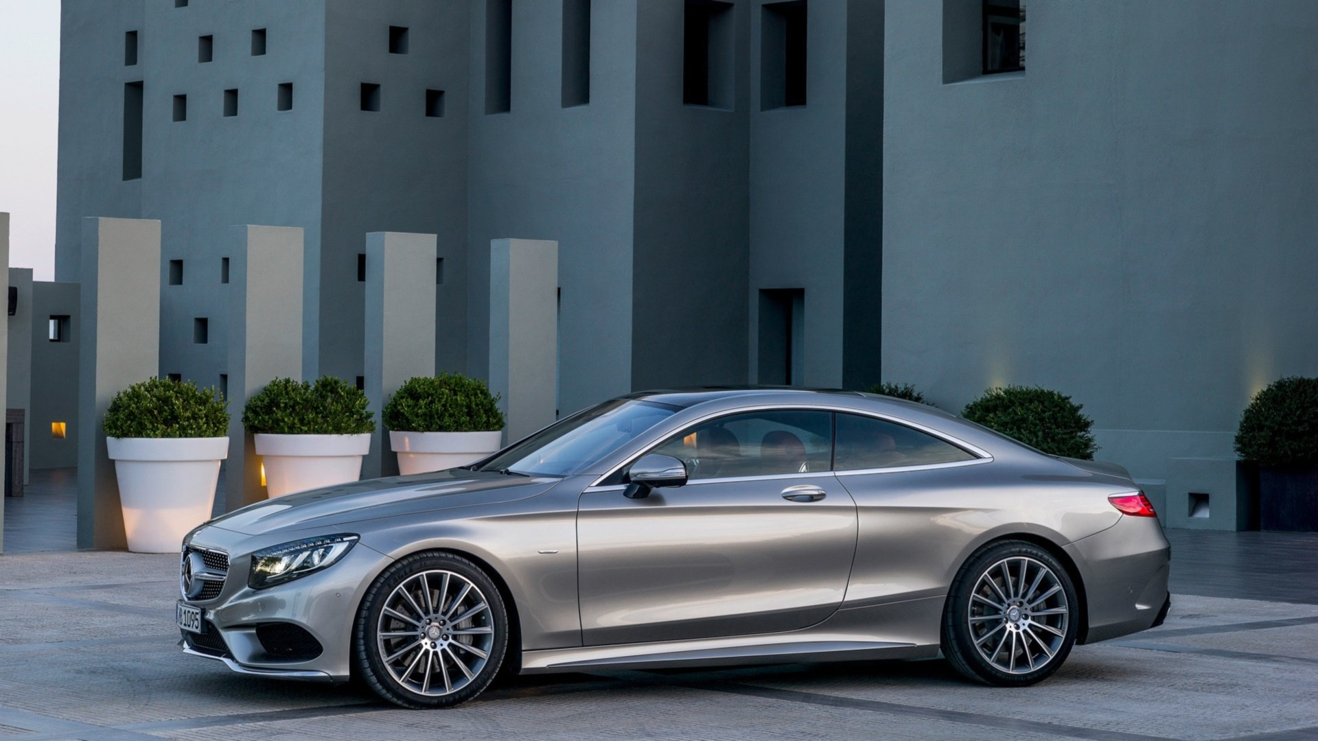 28 Mercedes Benz S Class Coupe Hd Wallpapers Background Images