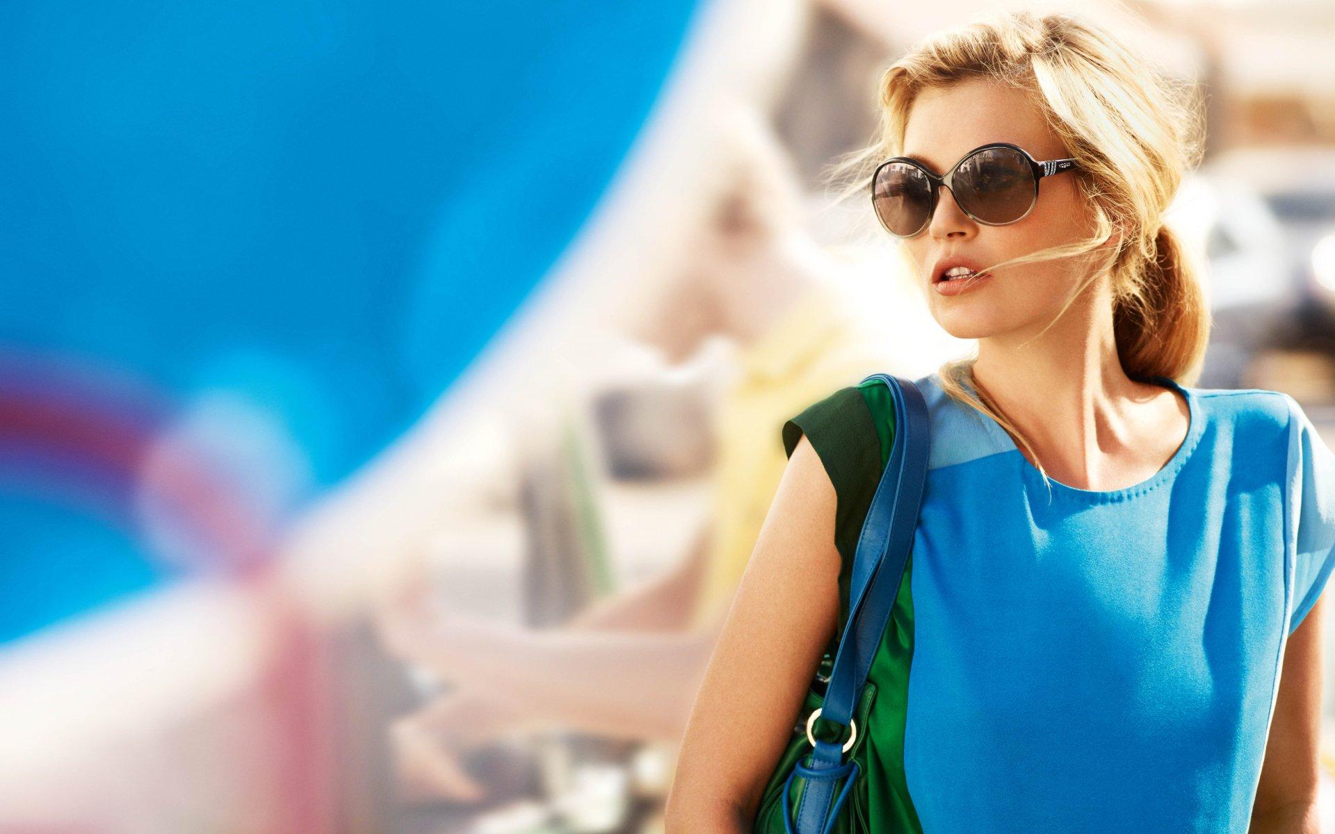 Celebrity - Kate Moss  Model English Wallpaper