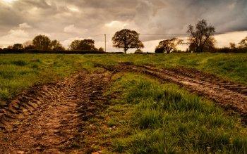 muddy fields dating service