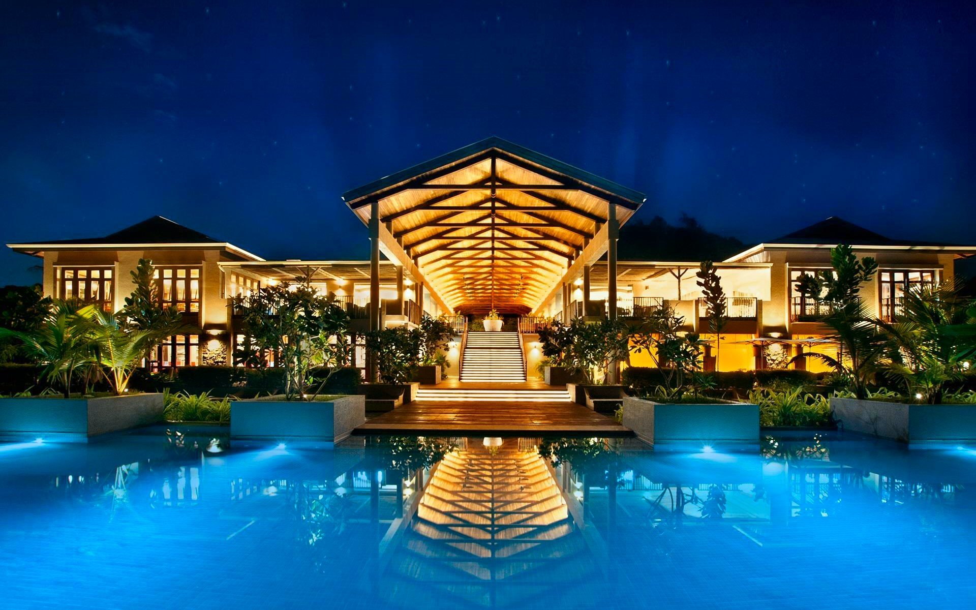 Man Made - Resort  Blue Reflection Pool Building Architecture House Seychelles Tropical Wallpaper
