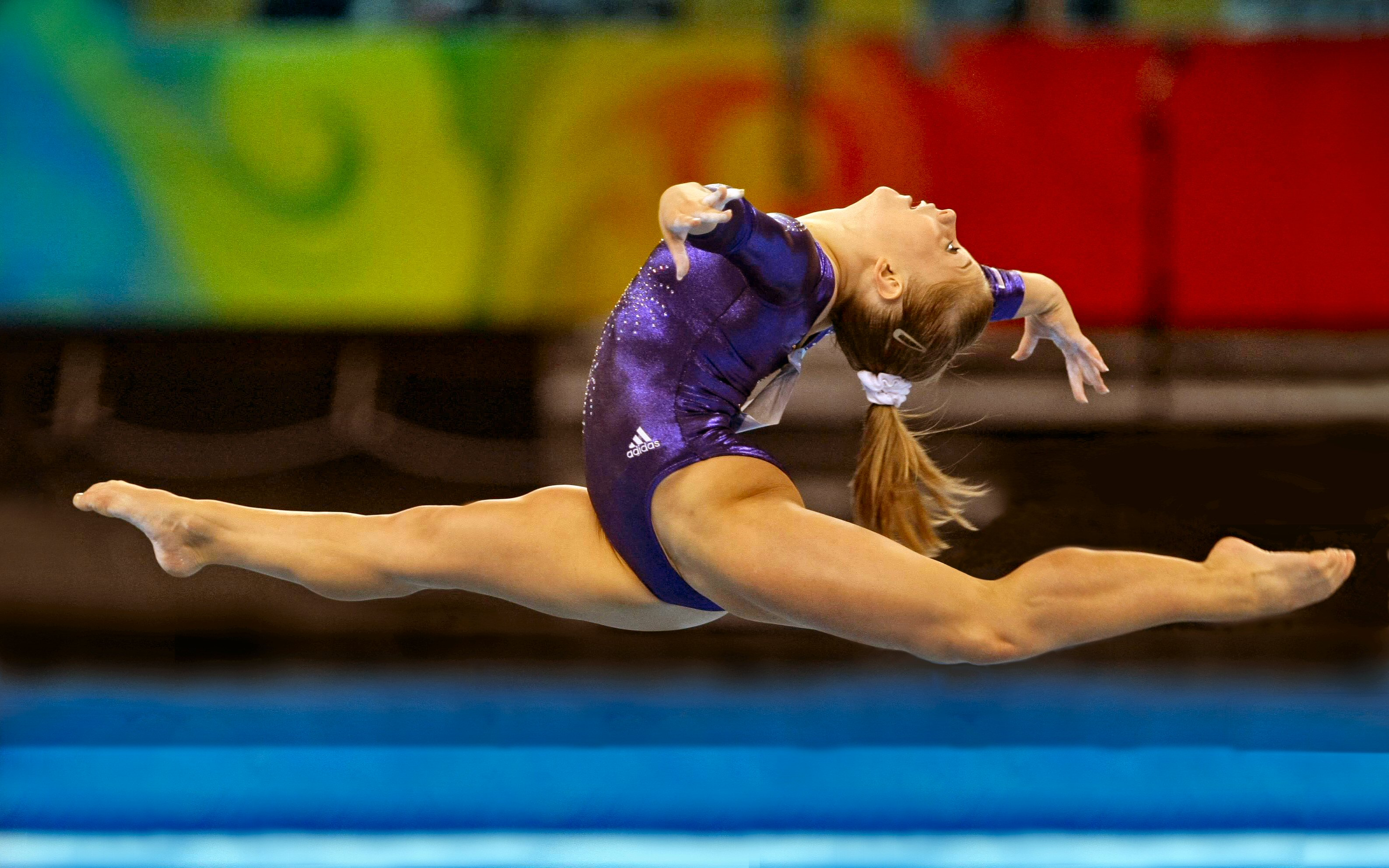 Sports Wallpapers Backgrounds Hd On The App Store: AMAZING BABE [115] Shawn Johnson [08april2014tuesday
