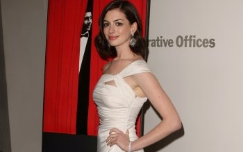 Celebrity - Anne Hathaway Wallpapers and Backgrounds ID : 526136