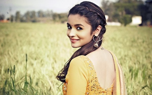 Film Humpty Sharma Ki Dulhania Alia Bhatt Bollywood Flicka Woman HD Wallpaper | Background Image