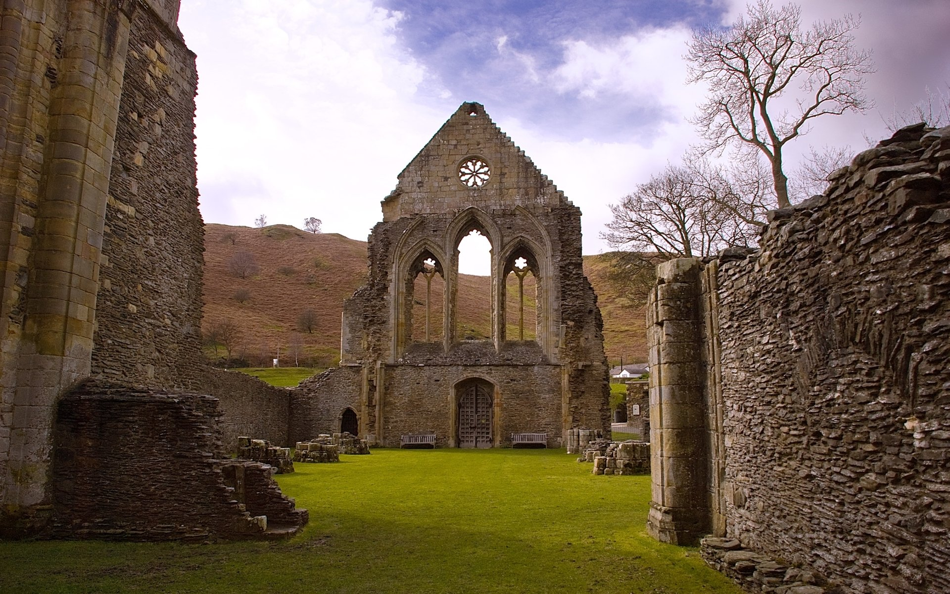Religious - Valle Crucis Abbey  Wallpaper