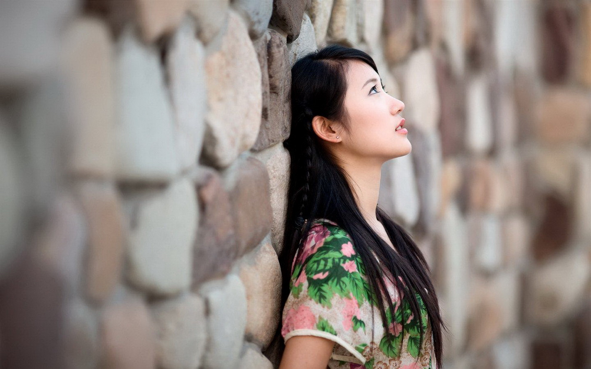 wall asian personals Asian dating for asian & asian american singles in north america and more we have successfully connected many asian singles in the us, canada, uk, australia, and beyond.