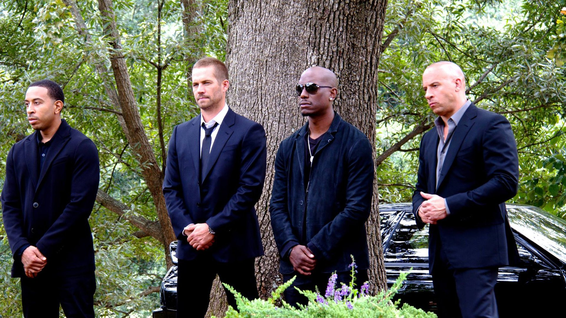 Movie - Furious 7  Dominic Toretto Vin Diesel Brian O'Conner Paul Walker Roman Pearce Tyrese Gibson Ludacris Tej (Fast & Furious) Wallpaper