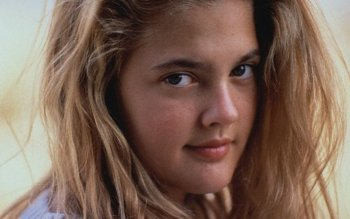 51 Drew Barrymore Hd Wallpapers Background Images Wallpaper Abyss
