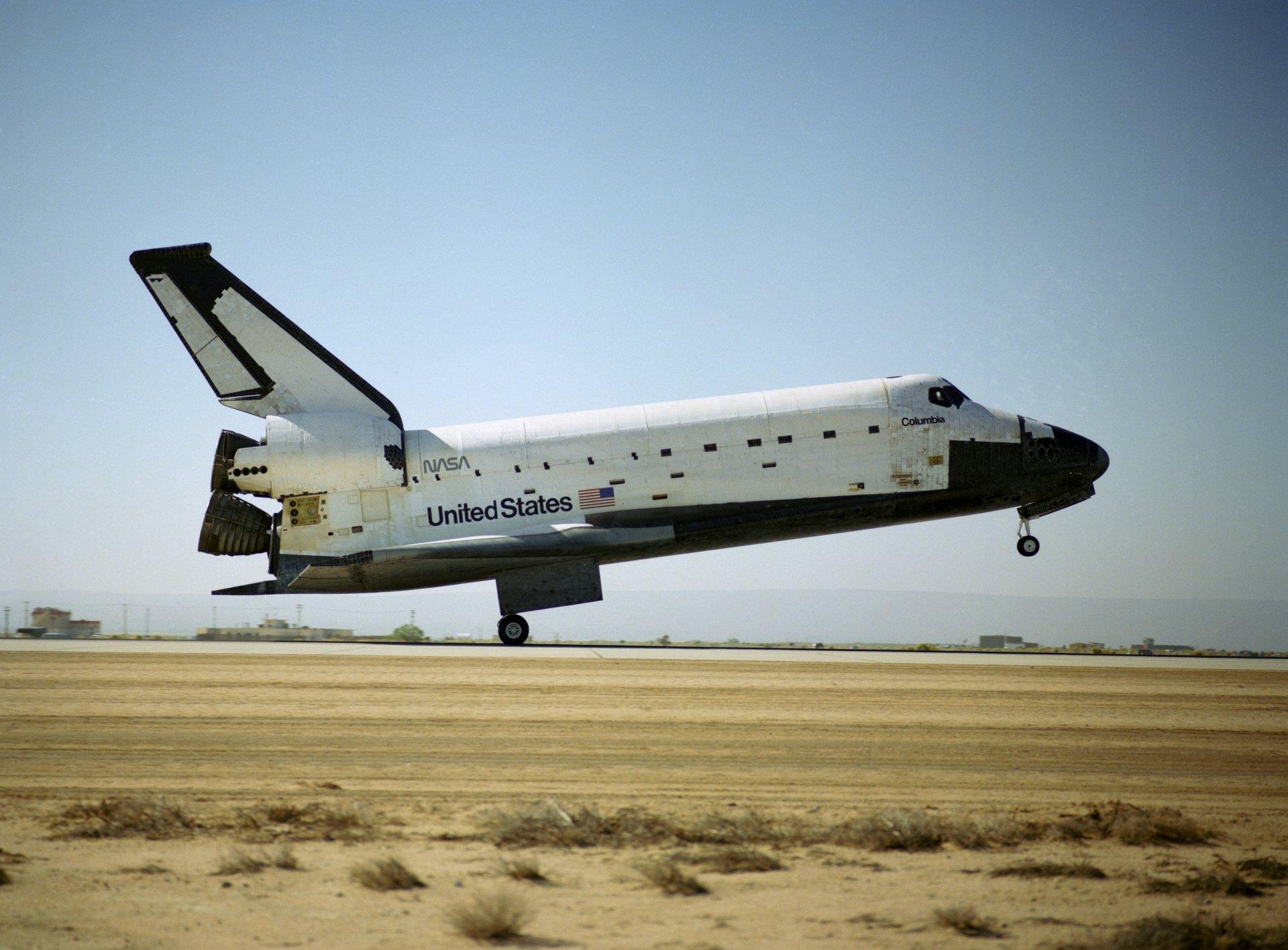 space shuttle columbia wallpaper - photo #4