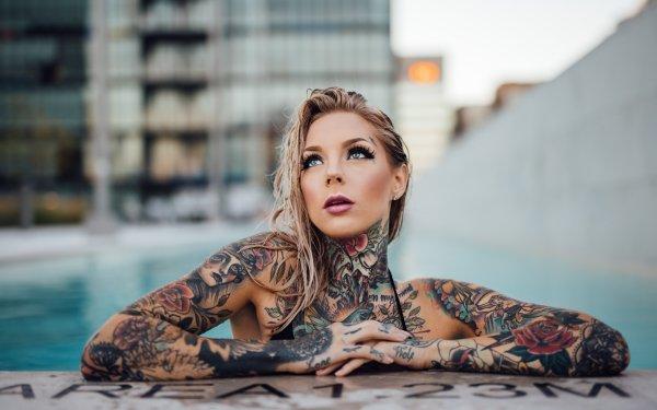 Femmes Tatouage Woman Top Model Blonde Blue Eyes Fond d'écran HD | Arrière-Plan
