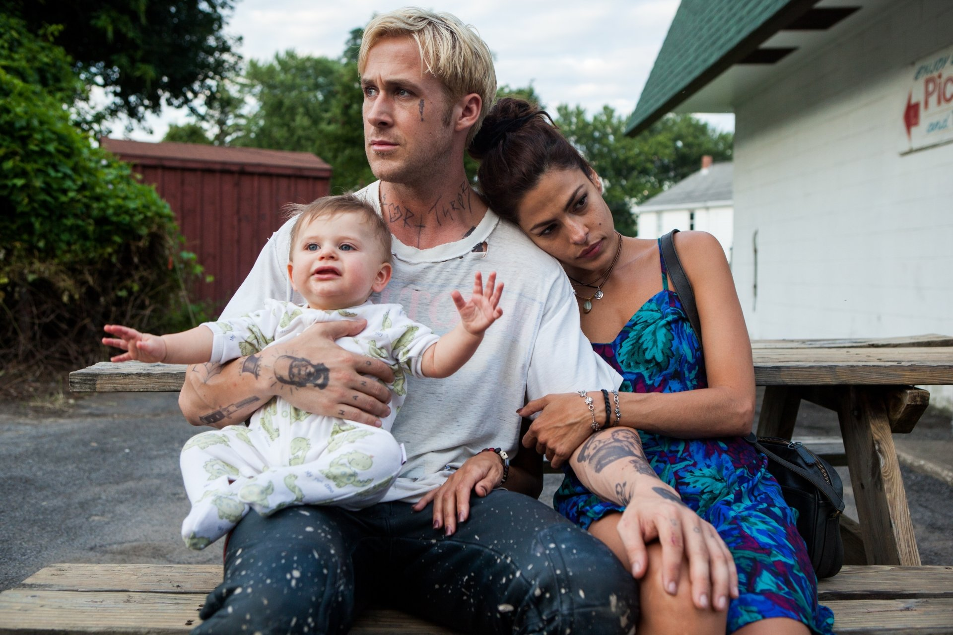 Movie - The Place Beyond the Pines  Ryan Gosling Luke (The Place Beyond the Pines) Eva Mendes Romina (The Place Beyond The Pines) Wallpaper