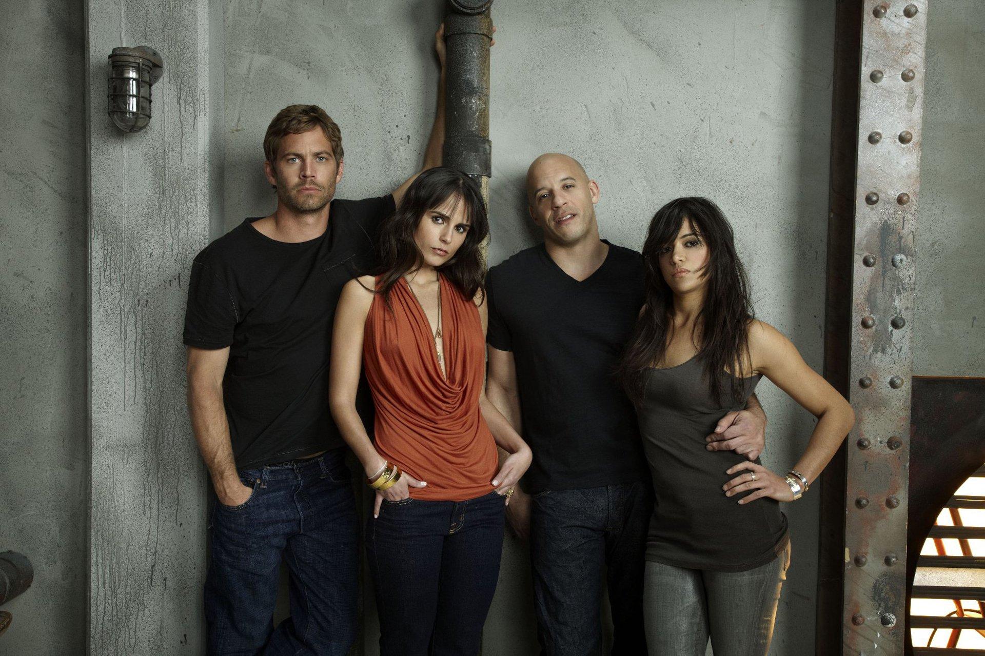Movie - Fast & Furious  Vin Diesel Dominic Toretto Paul Walker Brian O'Conner Jordana Brewster Mia Toretto Michelle Rodriguez Letty Ortiz Wallpaper
