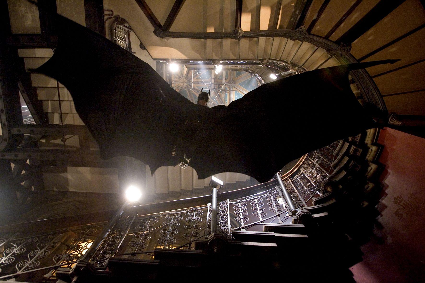Batman begins fond d 39 cran and arri re plan 1772x1181 - Telecharger batman begins ...