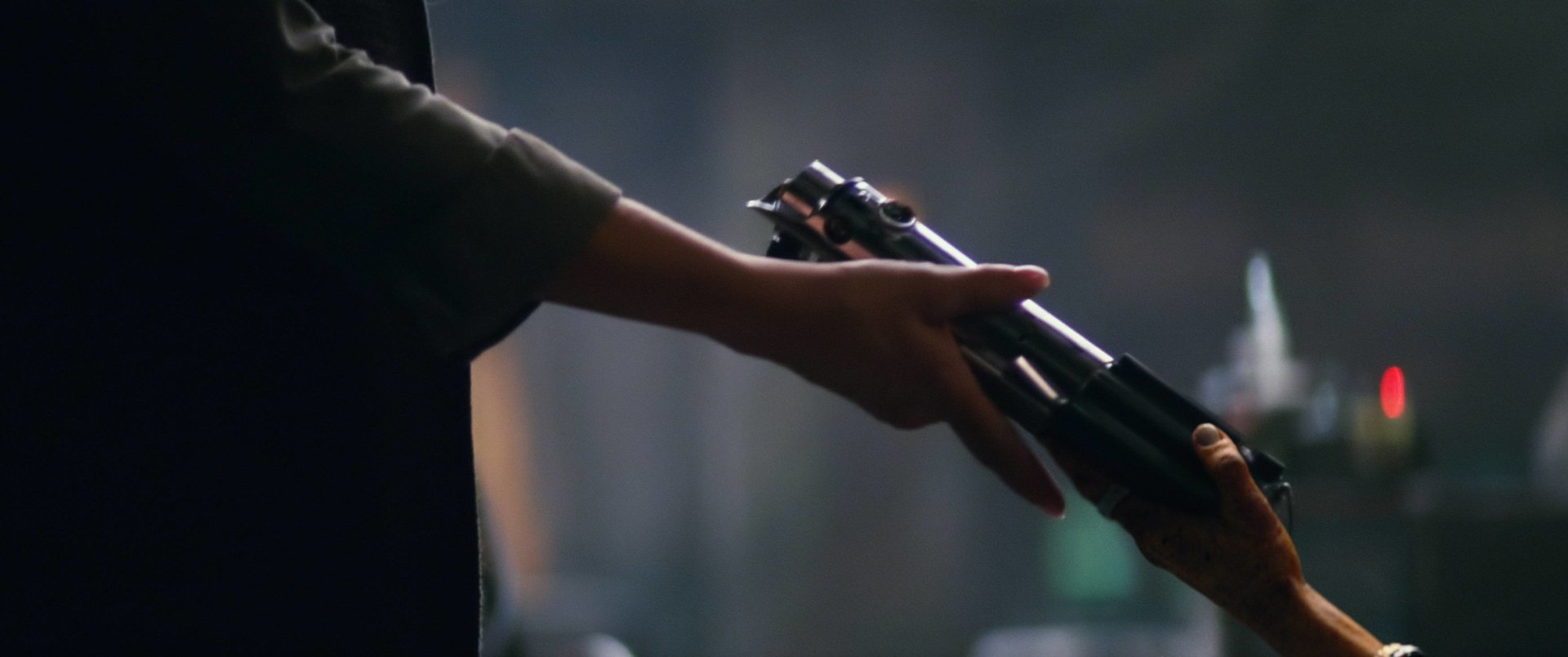 Movie - Star Wars Episode VII: The Force Awakens  Lightsaber Wallpaper