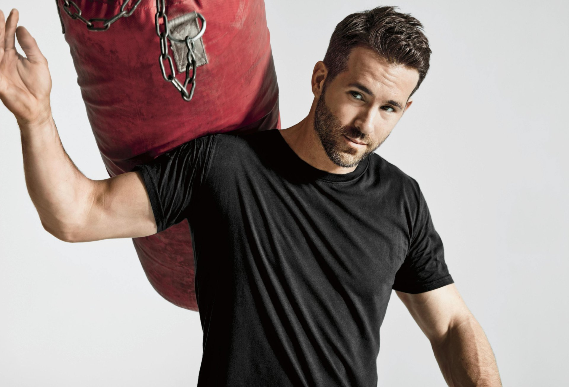 Celebrity - Ryan Reynolds  Actor Man Canadian Wallpaper