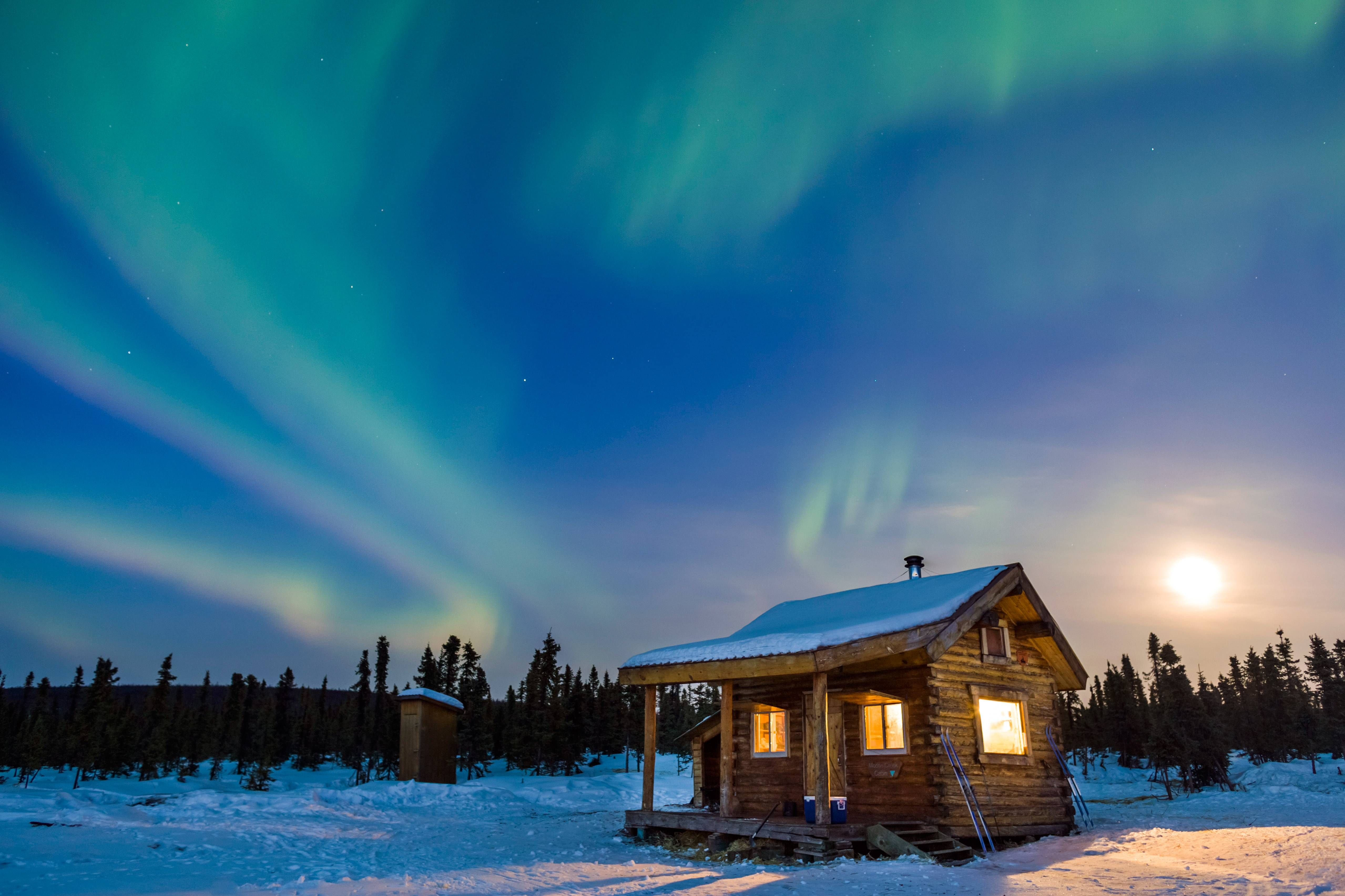 Alaska Cabin Northern Lights 4k Ultra Hd Wallpaper Background Image 5116x3410